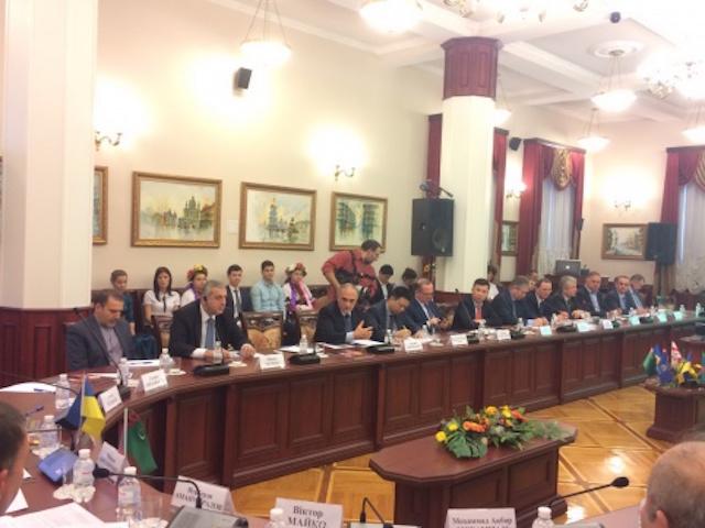 Круглый стол Глобальная конференция по устойчивому транспорту