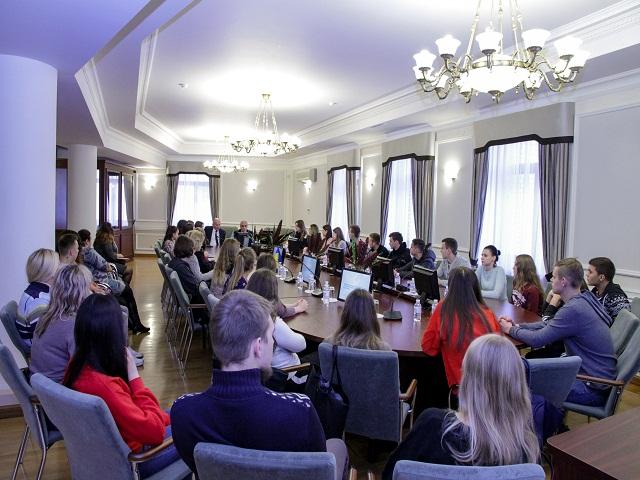 Meeting of GUAM Secretary General with students of Lesya Ukrainka Eastern European National University